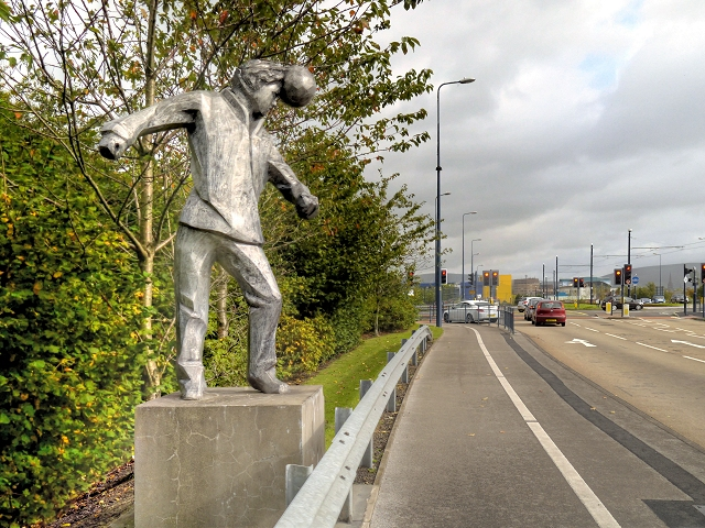 Lord Sheldon Way, Footballer Sculpture