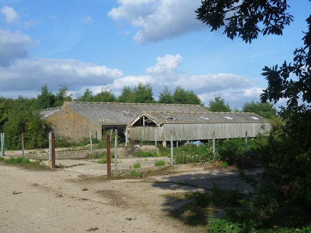 Disused buildings near Blaise Farm