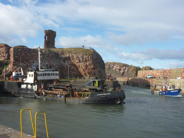 Coastal East Lothian : Shearwater And Homarus At Victoria Harbour, Dunbar