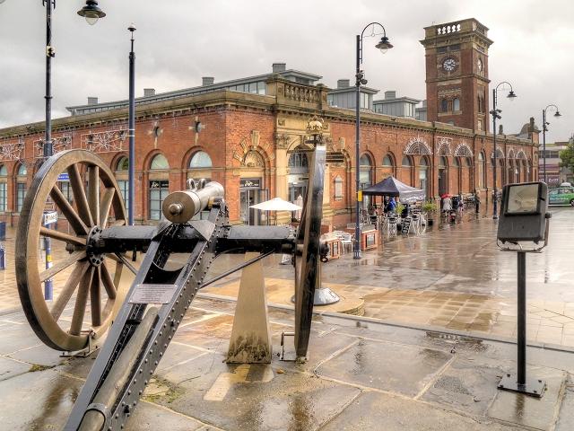 The Turkish Gun and Ashton Market Hall