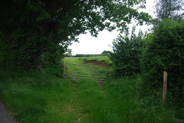 Footpath to Luck Farm