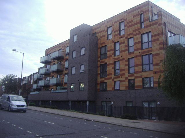 New flats on Harlesden Road