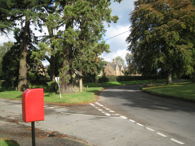 Road junction, Wormleighton