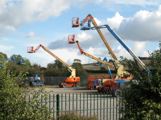 Hydraulic platforms at Easi Uplifts, near Fenny Compton