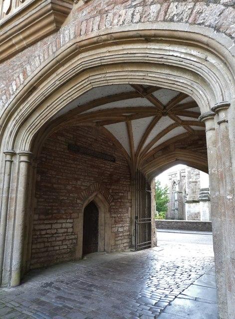Gateway of Vicars Close, Wells
