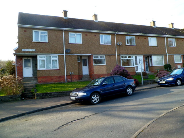 Houses at the southern end of Alderwood Road, West Cross, Swansea