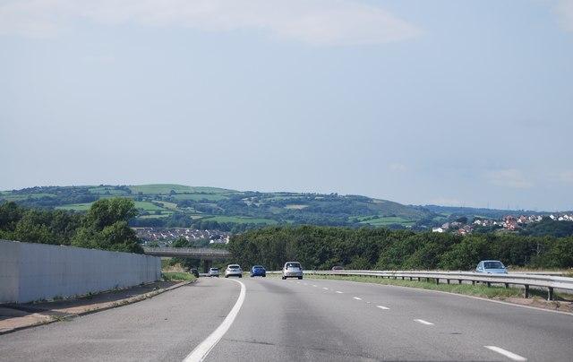 M4 crossing the railway line