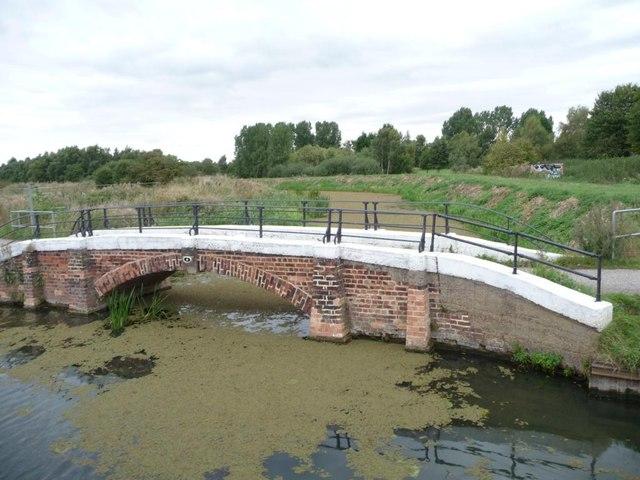 Foss bank footbridge over catchwater drain
