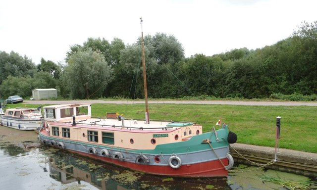 Long term moorings, south bank, Fossdyke [2]