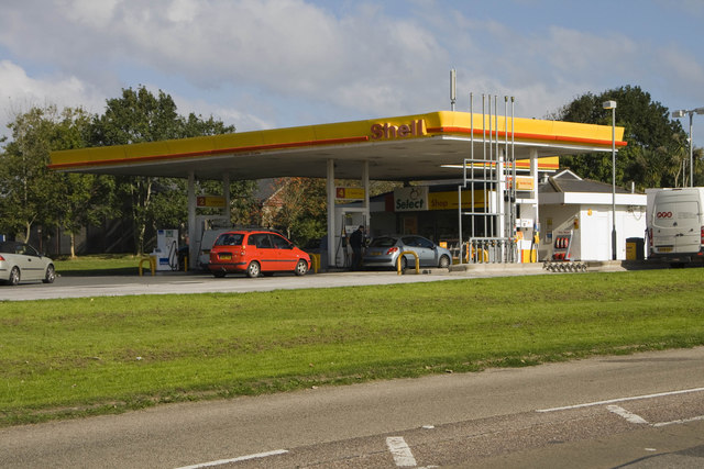 Shell garage at Loggans Moor