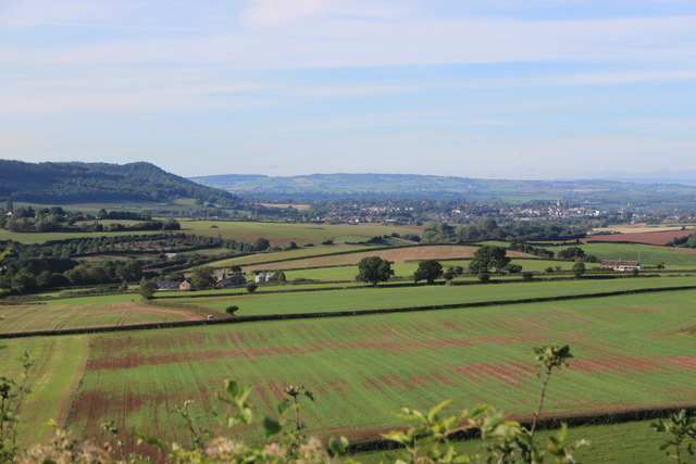 View towards Sandford Farm from the B4221