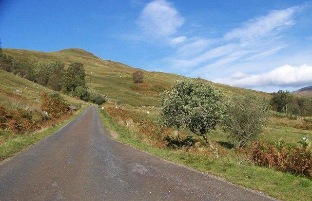 The road through Glen Esregan