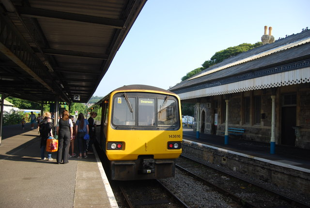 Swansea train at Tenby Station