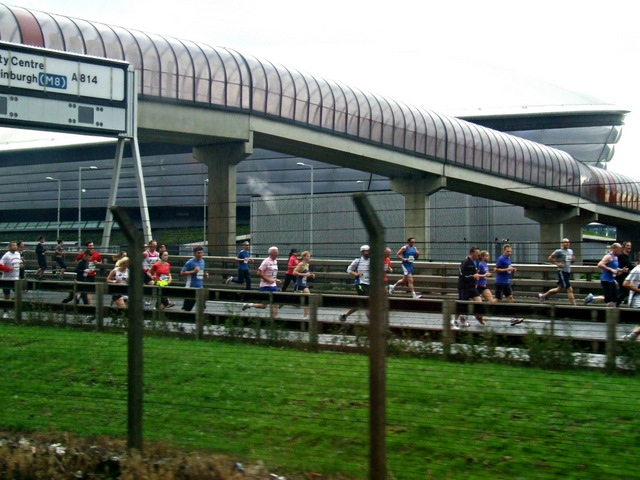 Runners at Finnieston