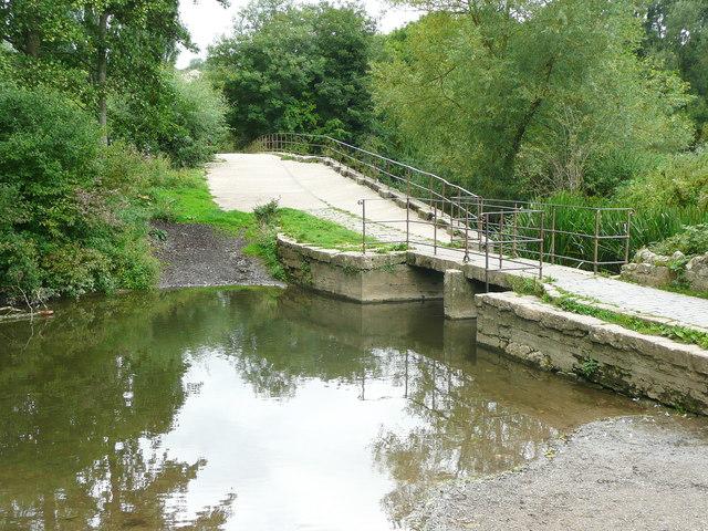 Footbridge on the approach to Barton Bridge