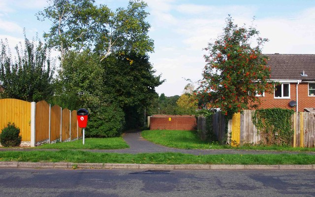 Footpath from Captain's Pool Road to Heronswood Road, Spennells, Kidderminster