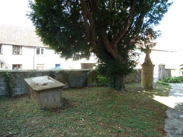 Saint Mary Major, Ilchester: churchyard (e)