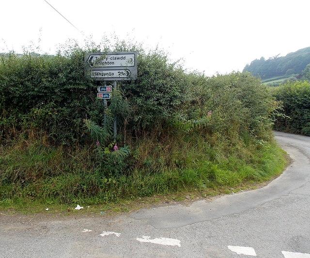 3 miles to Knighton from Heyope
