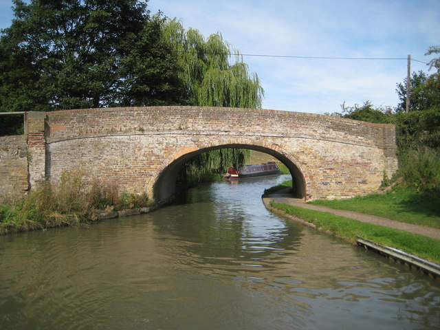 Grand Union Canal: Bridge Number 110