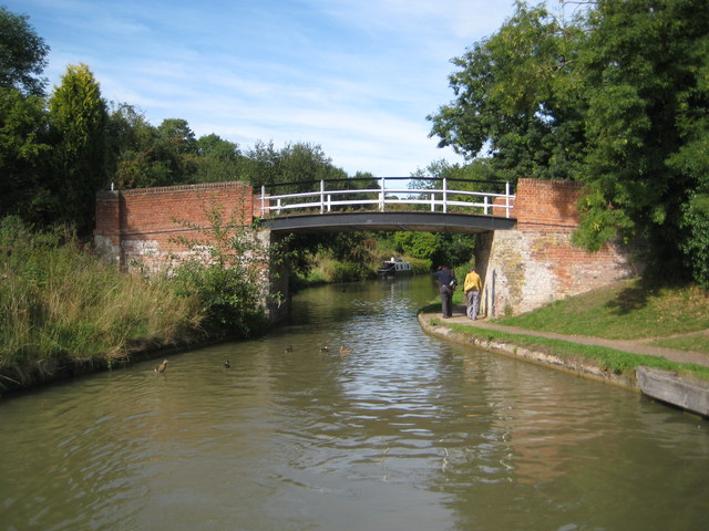 Grand Union Canal: Bridge Number 111