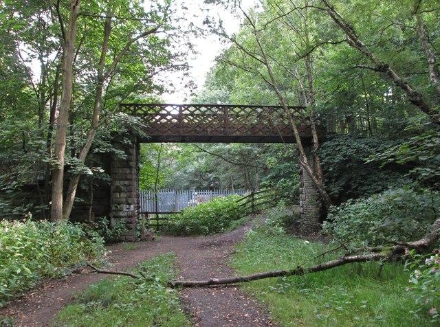 Sowerby Bridge - old railway footbridge below Hullen Edge