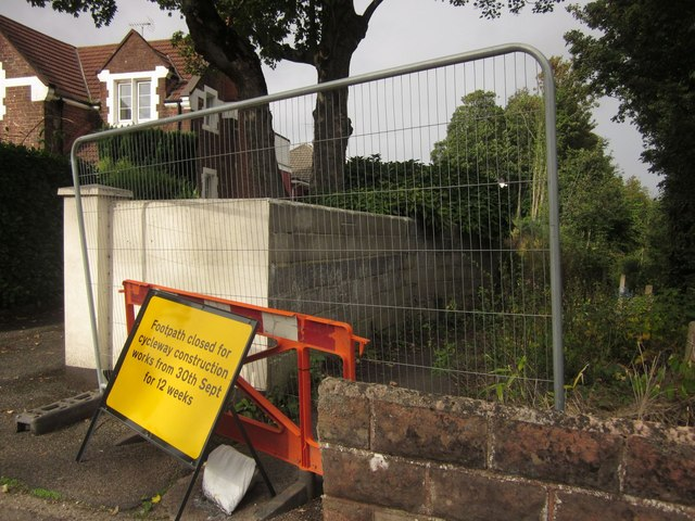 Closed footpath, Shiphay