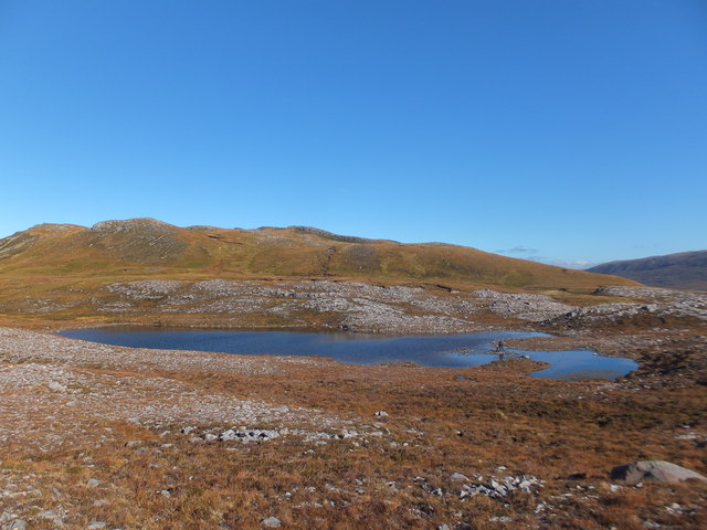 Lochan to South West of Meall an Leathaid Mhoir