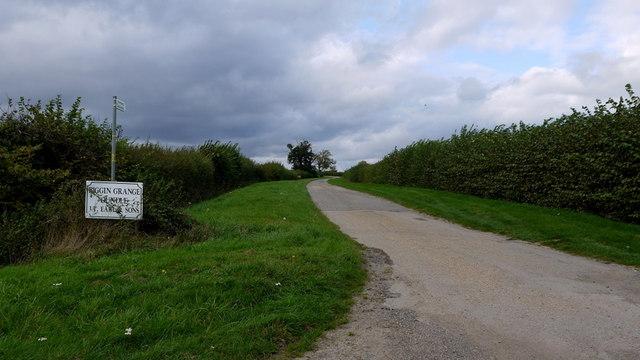 Farm road to Biggin Grange