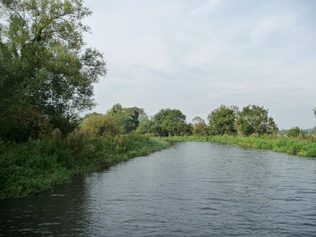 Kennet & Avon canal, above Midgham lock