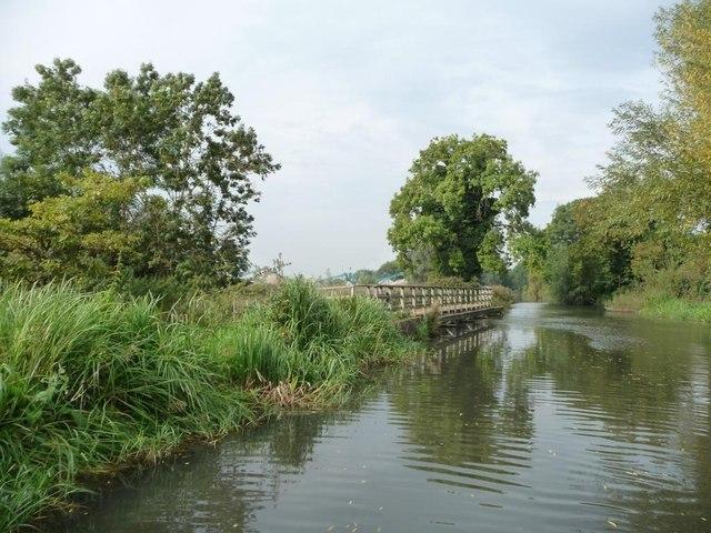 Towpath footbridge, Kennet & Avon canal