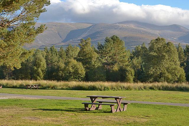 Picnic bench at Glenmore campsite