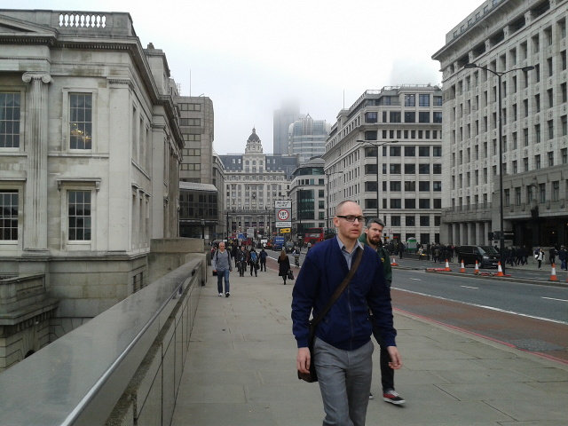 On London Bridge, looking north