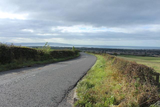 Road to Loans near Harpercroft