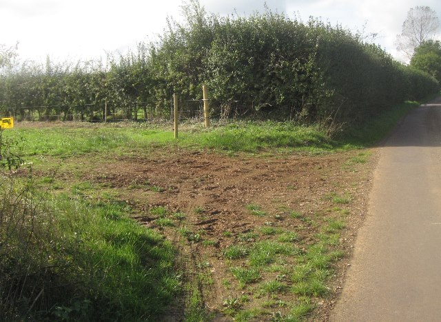 Assorted barriers - Ibworth Lane