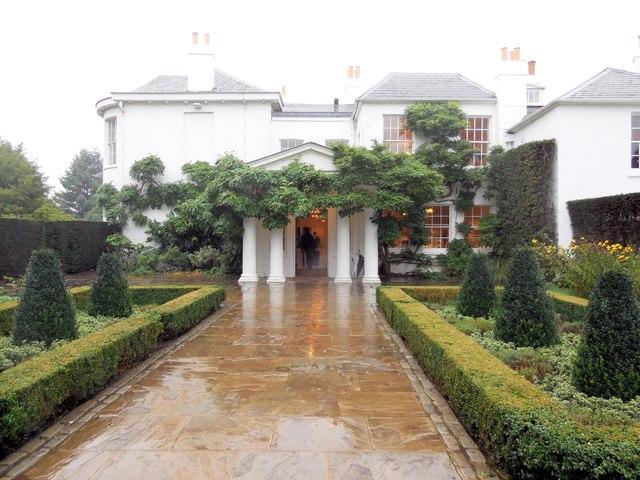 Entrance to Pembroke Lodge