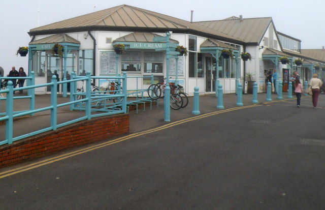 Cafe and ice cream shop, Mumbles Pier