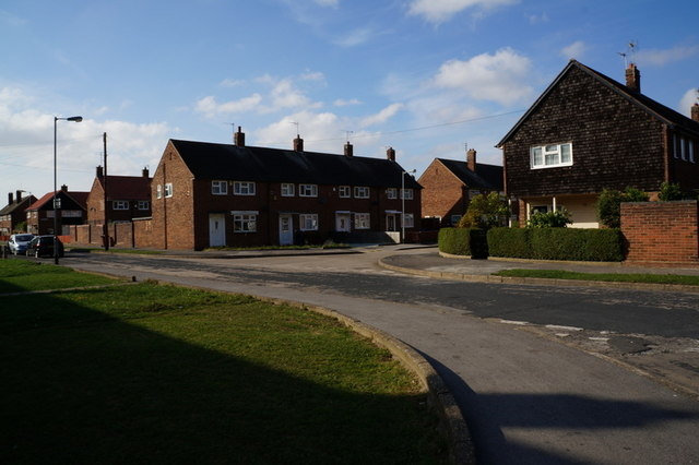 Houses on Crayford Close from Bamford Avenue