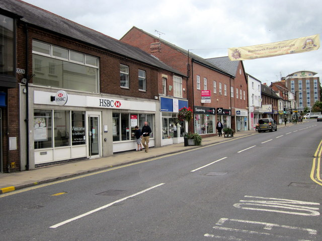 Warwick Road Kenilworth With HSBC Bank