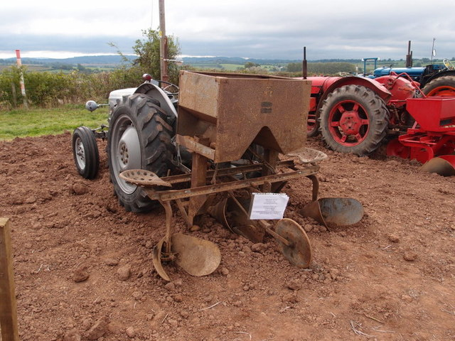 Massey Ferguson 2 row potato planter