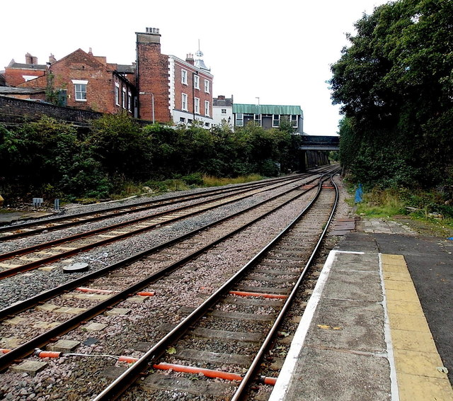 4 tracks into 2 west of Wellington railway station