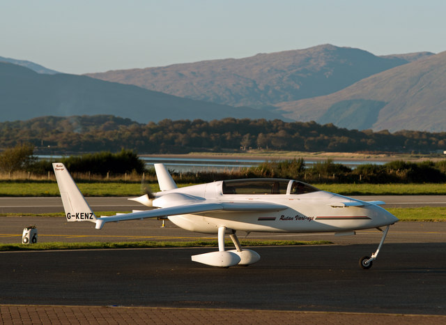 G-KENZ at Oban Airport - (2)