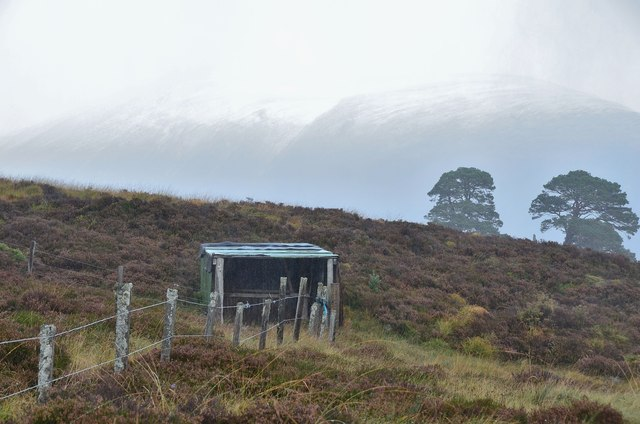 Old shed near Clais Fhearnaig
