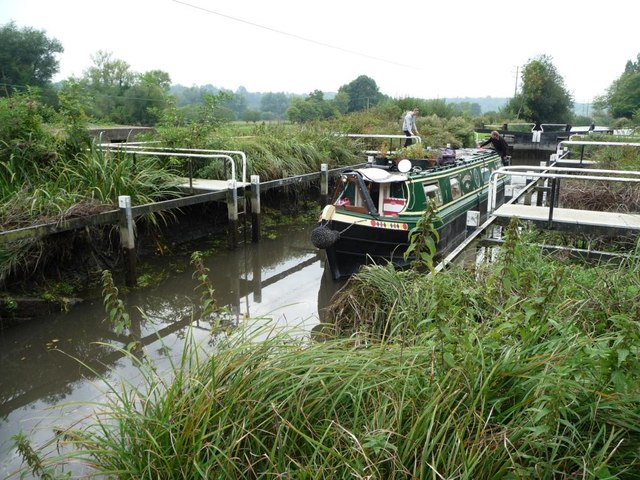 Monkey Marsh lock emptying as boat descends