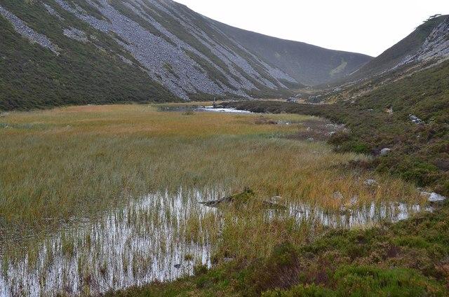 The loch in Clais Fhearnaig (2)