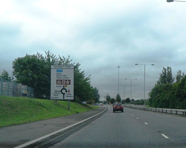 Approaching Kembrey Park Roundabout