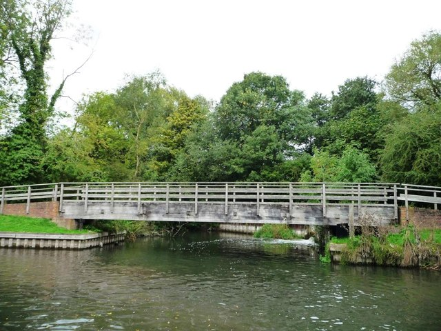 Towpath bridge below Bull's lock [no 88]