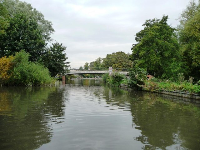 A339 road bridge over the Kennet & Avon canal