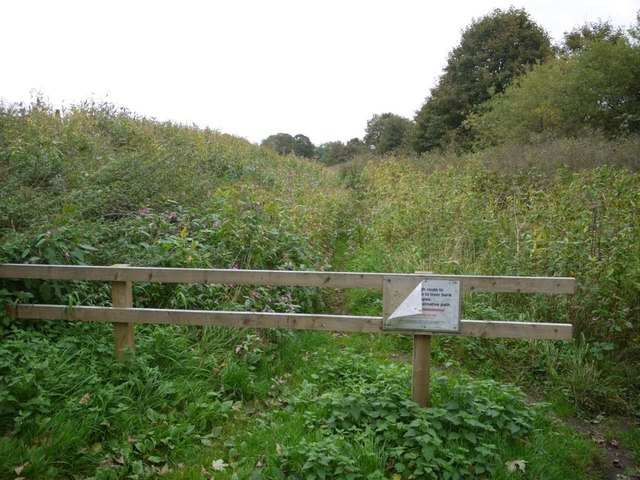 Overgrown and (temporarily) closed riverside path