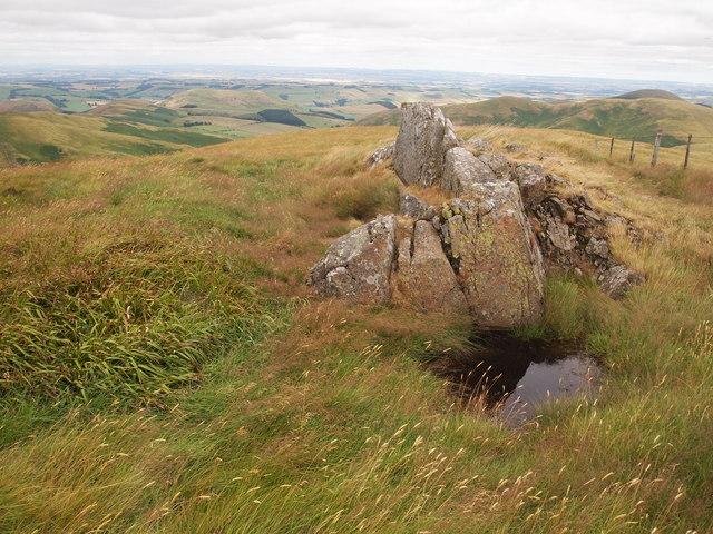 Outcrop, Steerrig Knowe