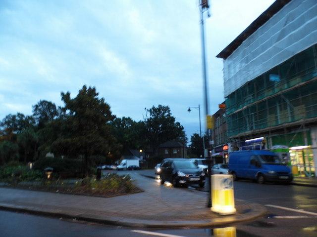 New Heston Road, Heston